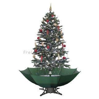 schneiender weihnachtsbaum in weihnachtsdekoration bei. Black Bedroom Furniture Sets. Home Design Ideas